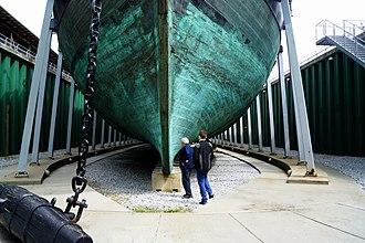 Danish frigate Jylland - Image: Fregatten Jylland fra dok
