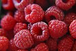 Fresh raspberries (272567650).jpg