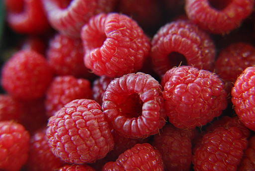 Fresh raspberries (272567650)