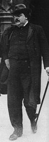 G.K. Chesterton caminando por FleetStreet