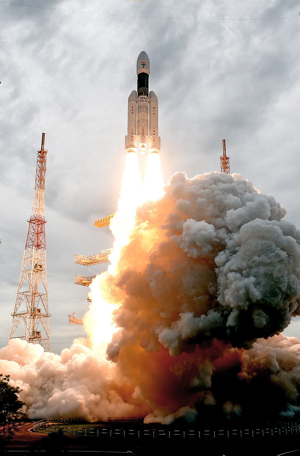 GSLV Mk III M1, Chandrayaan-2 Lifting off 04