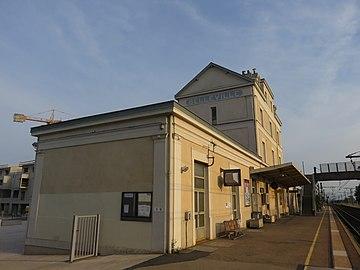 Gare de Belleville (Rhône) - Bâtiment (août 2018).jpg