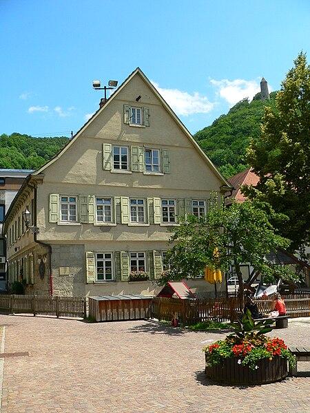 File:Geislingen-adS-Schubart-Schulhaus.JPG