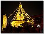 Gloeiende Swayambhu (3005358416) .jpg
