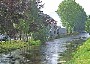 Grand Canal at Bury Quai Tullamore Co. Offaly - geograph.org.uk - 1365144.jpg