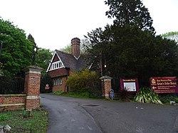 Grim's Dyke (Harrow Heritage Trust Plaque) establishing shot.jpg