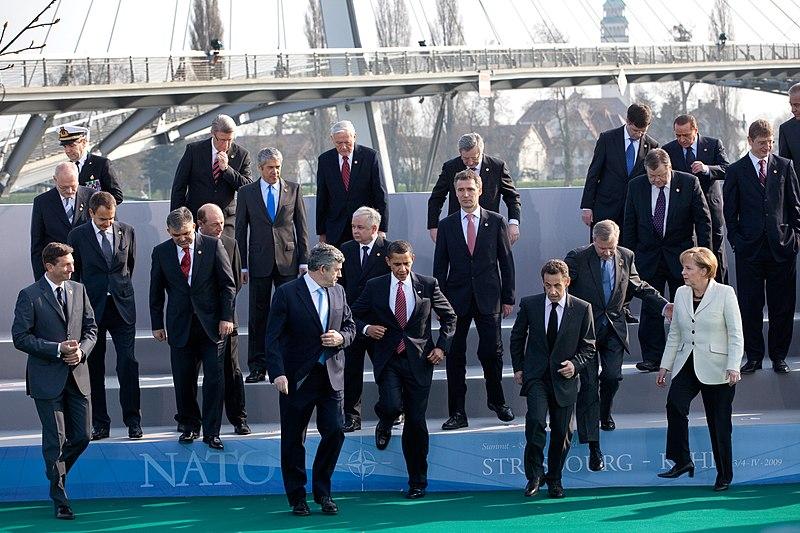 File:Group photo during 2009 NATO Strasbourg–Kehl summit.jpg