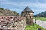 Gurk Domplatz 1 Stiftsanlagen SO-Wehrturm Hemmaquelle West-Ansicht 22042019 6666.jpg