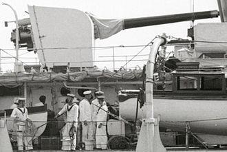 BL 6 inch Mk XII naval gun - Image: HMS Enterprise 6 inch gun clip 1936 LOC matpc 20251