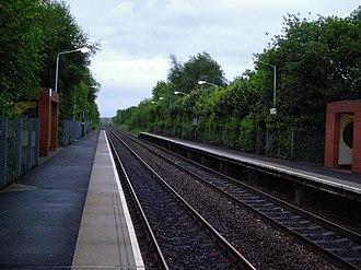 Halewood railway station - Image: Halewood railway station in 2006