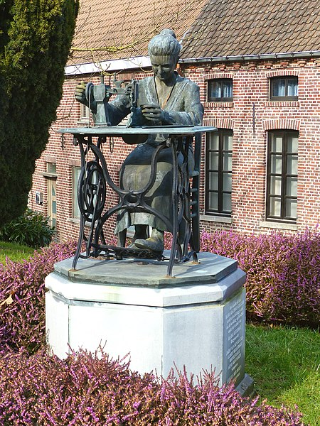 Handschoenenmaakster,  St-Denijs-Boekel