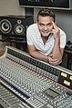 Henry Benavides Productor Musical.jpg