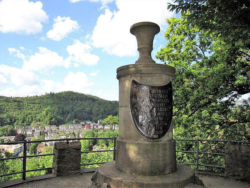 File:Hohenlimburg, Möllerdenkmal.JPG