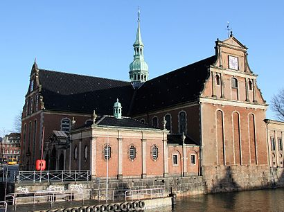 How to get to Holmens Kirke with public transit - About the place