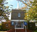 Holy Trinity Church, Tilgate, Crawley (October 2011).jpg
