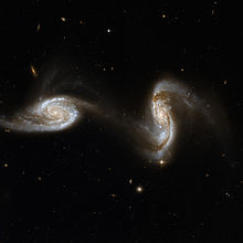 Hubble Interacting Galaxy NGC 5257 (2008-04-24).jpg