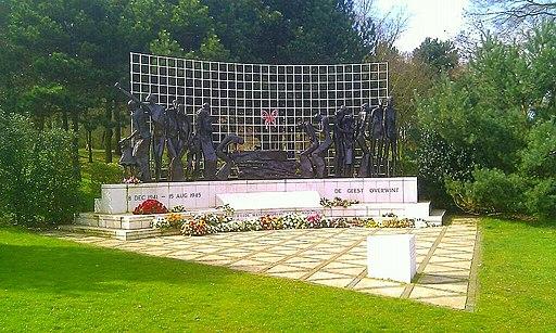 Indisch Monument Den Haag fotograaf H Brouwer 26 maart 2014