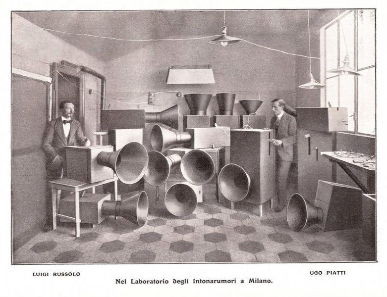 File:Intonarumori, 1913.jpg