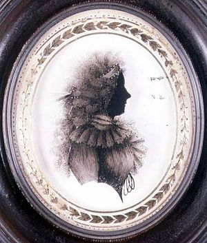 Isabella Beetham - Silhouette of a lady, oil painted on convex glass, late 18th century, private collection