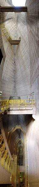 Fichier:Itaipu Décembre 2007 - Intérieur du barrage.jpg