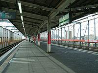 JREast-Saikyo-line-Toda-station-platform.jpg