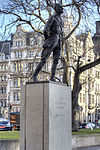 Jan Christian Smuts statue Parliament Square.jpg