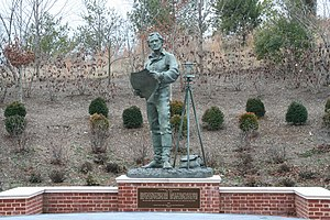 Eugene Daub - Image: Jefferson statue North Grounds U Va