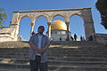 Jerusalem Me in front of Dome of the Rock (6035837691).jpg