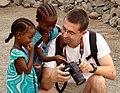 Jori Cazilhac au village d'Adoïla, Djibouti.jpg