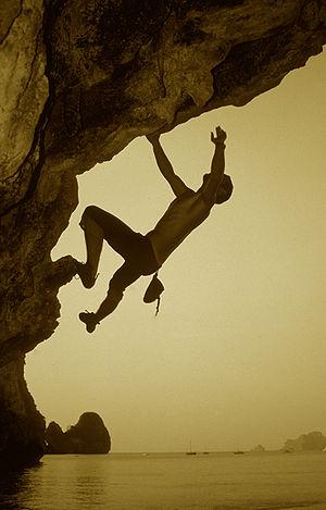 Solo climbing - Image: Jose Luis Nunez bouldering in Ton Sai Beach