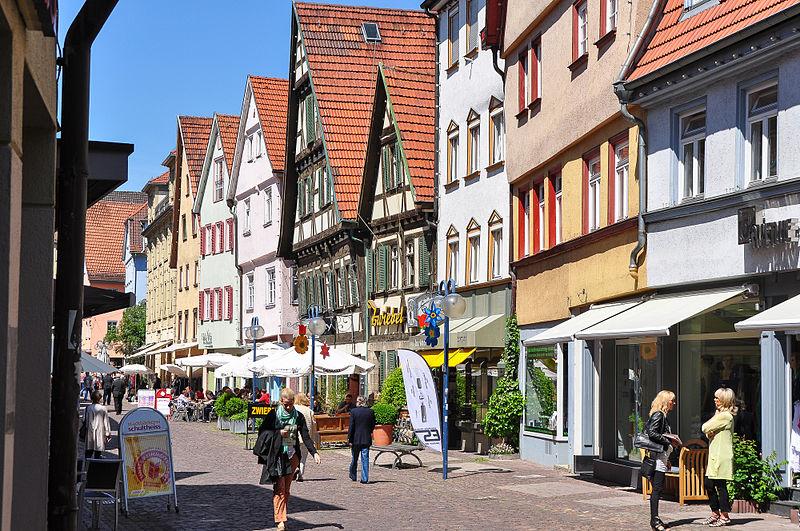 File:Küferstraße (Esslingen) Straßenzug von Ost nach West.jpg