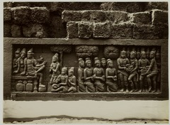 KITLV 28022 - Kassian Céphas - Relief of the hidden base of Borobudur - 1890-1891.tif