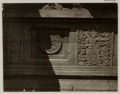 KITLV 28289 - Isidore van Kinsbergen - Relief with part of the Ramayana epic on the north side of Panataran, Kediri - 1867-02-1867-06.tif