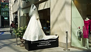 Wedding dress of Kate Middleton - A replica of the dress outside a shop in Belfast