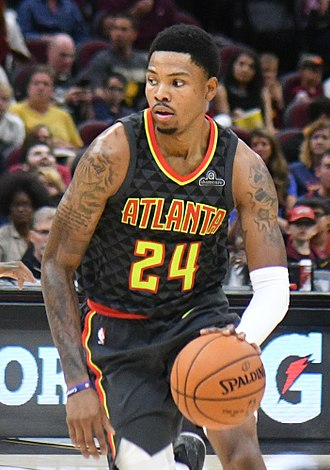 Kent Bazemore - Bazemore with the Hawks in 2017