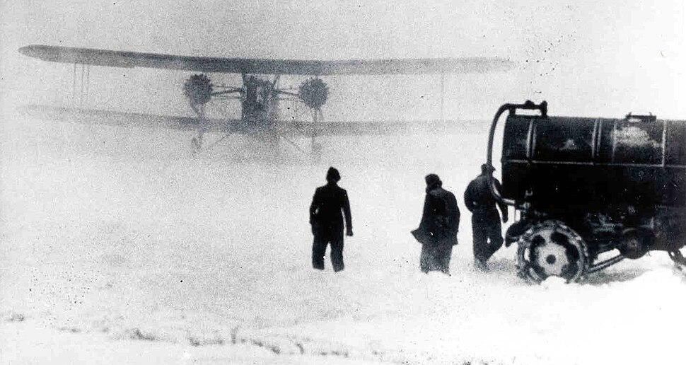 Keystone B-6 twin-engine airmail plane in snow storm, 1920