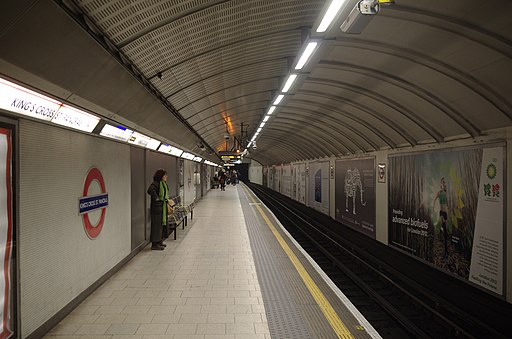 King's Cross St Pancras tube station MMB 01