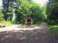 Kleine Kapelle im Wald bei Friedrichsthal - geo.hlipp.de - 38437.jpg