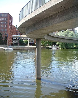 Klara Sjö - A concrete pillar supporting the circular pedestrian bridge Blekholmsslingan.