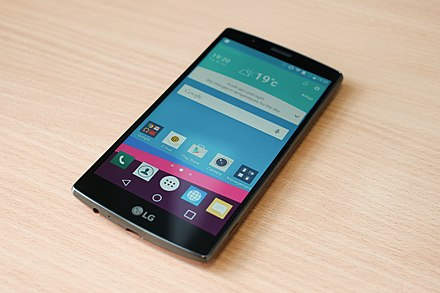 The LG G4, a typical smartphone LG G4-2.jpg