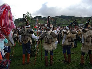 La Vijanera - Los Zarramacos, warriors of the good, singing the songs.
