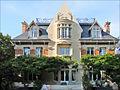 La façade principale de la Hublotière (6193532634).jpg