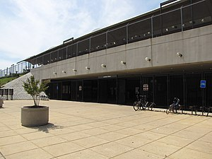 Landover metro dc property for Bureau county metro center