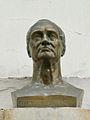 Le buste d'Auguste Comte sur la façade de la Chapelle de l'Humanité (Paris).jpg