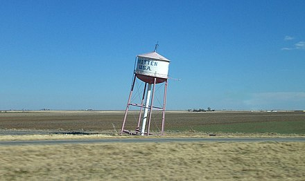The leaning water tower, east of Groom, TX, along I-40 (old US 66) Leaningwatertower.jpg