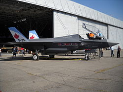 Lockheed Martin F-35 Lightning II mock-up 04.JPG