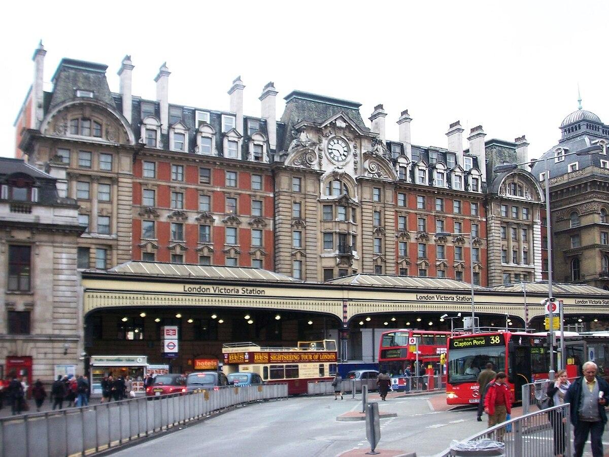 train times chichester london victoria