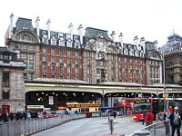 London Victoria station -14Oct2008.jpg