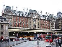 London Victoria station -14Oct2008.jpg