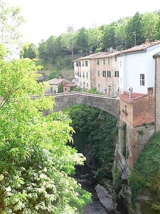 Loro Ciuffenna - Bridge in the village of Loro Ciuffenna